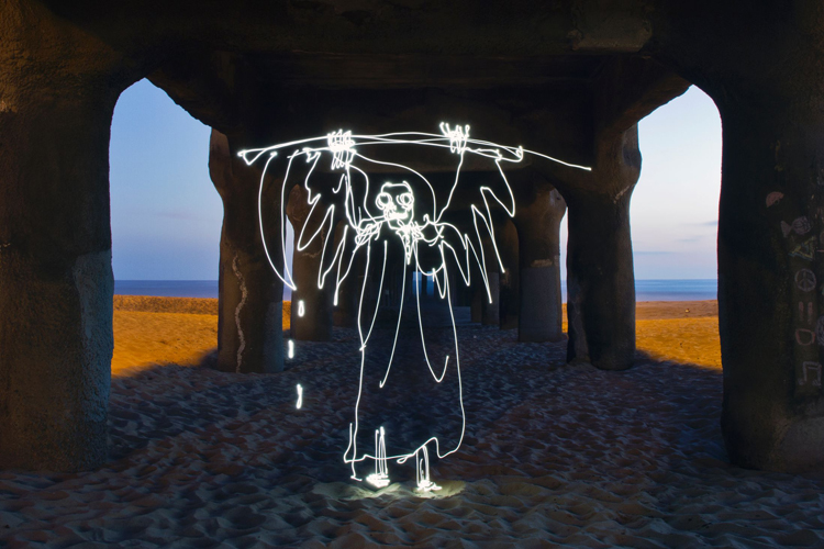 Light-Paintings-Darren-Pearson-Grim-Reaper-Manhatten-Beach