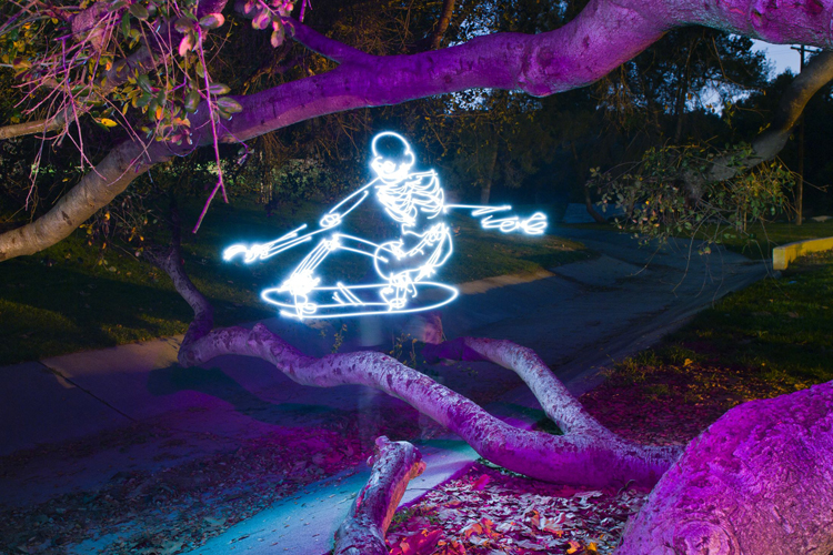 Light-Paintings-Darren-Pearson-Skeletal-Skateboarded-California